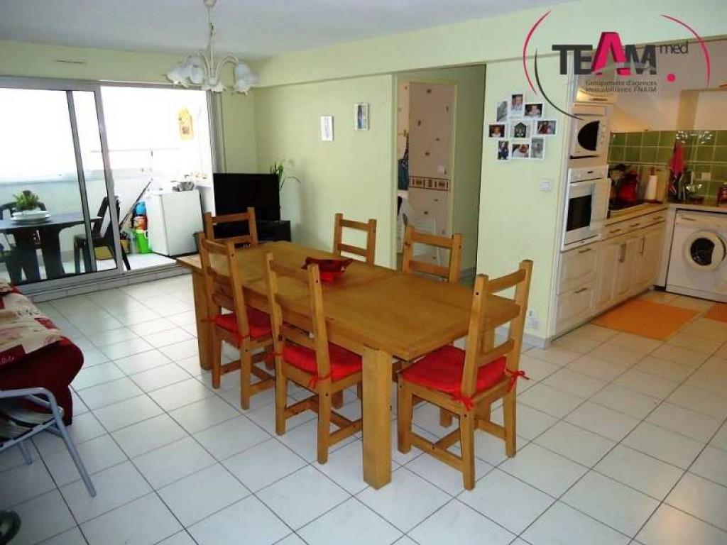 vente appartement 3 pieces de 66 m2 34200 sete 6211 appartement. Black Bedroom Furniture Sets. Home Design Ideas