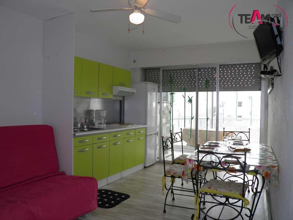 location appartement 2 pieces de 29 m2 34200 sete 6429 appartement. Black Bedroom Furniture Sets. Home Design Ideas